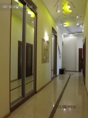 apartment 4442