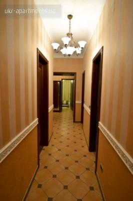 apartment 4466
